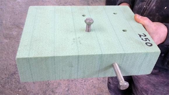Hartschaumplatte - ab 150kg/m³ Dichte Schrauben Verankerung