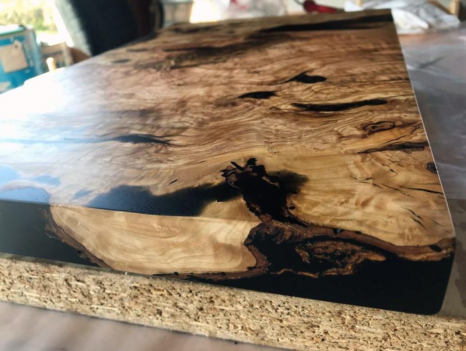Tischplatte Epoxy Verguss Farbpigmente